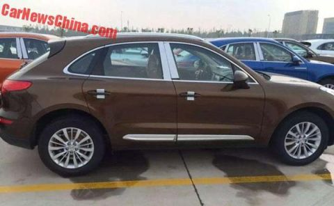 porche macan china side